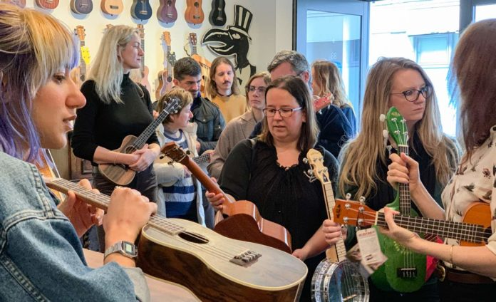 Resolute Londoners hit Ukulele store in preparation for self-isolation