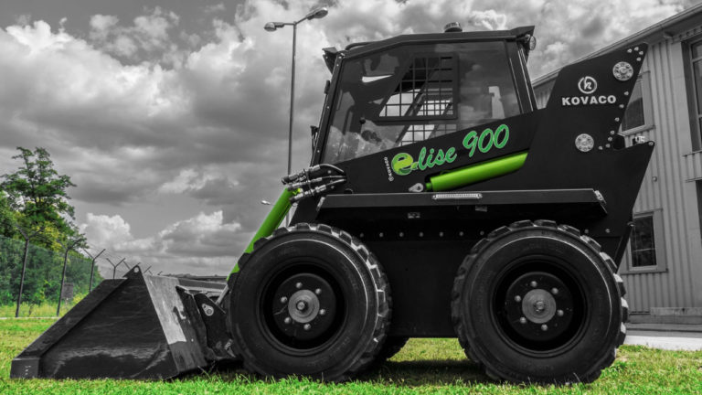 Family-run Heming Engineering named as dealer for world's first fully electric skid steer loader
