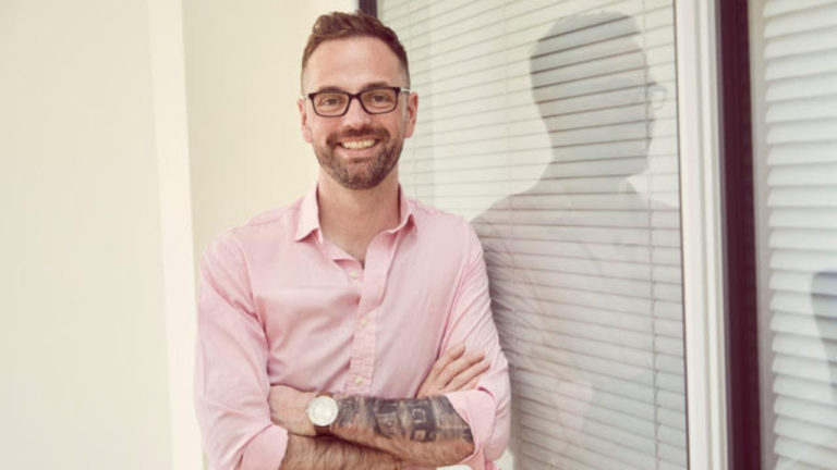 From social media freelancer to CEO working with 10,000 customers