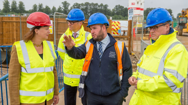 Homebuilder welcomes North Oxfordshire MP to Bicester following site manager award